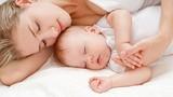 Cách rèn trẻ tự ngủ hiệu quả nhưng mẹ nên cân nhắc