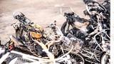 Bãi xe máy trong đồn công an bốc cháy dữ dội