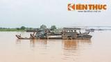 """Cát tặc công khai """"lộng hành"""" trên sông Đồng Nai"""