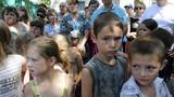Bác sĩ Ukraine không chữa bệnh trẻ em vùng miền đông