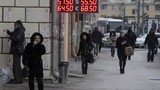Đồng rúp Nga mất giá: Người nước ngoài khốn khổ ở Moscow