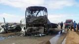 Hiện trường vụ xe buýt đâm xe chở xăng ở Morocco