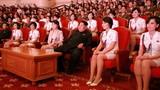 Lãnh đạo Kim Jong-un hào hứng nghe hòa nhạc