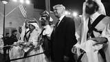 Ảnh hậu trường chuyến công du nước ngoài của TT Donald Trump
