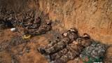 """Chùm ảnh lính Trung Quốc """"ngủ bờ ngủ bụi"""" khi hành quân"""