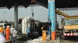 Hiện trường vụ xe tải tông sập trạm thu phí cao tốc TP HCM-TL