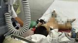 Mẹ ngã quỵ chứng kiến con 3 tuổi ngã chung cư tử vong