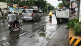 Người đàn ông ngã xe tử vong khi tránh em bé qua đường