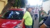 Nóng: Hàng loạt ô tô bị đập phá cùng lúc ở Sài Gòn