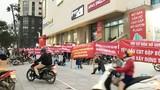 Vỡ mộng 5 sao: Dân Hồ Gươm Plaza căng băng rôn phản đối