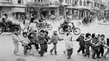 Bồi hồi ngắm Hà Nội năm 1990 trong ảnh của John Vink (1)