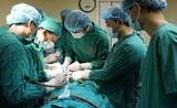 Phẫu thuật dị dạng tĩnh mạch chân bất thường cho người bệnh