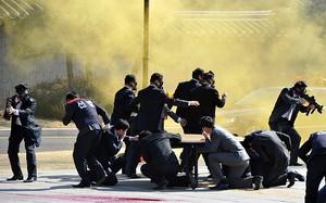 Xem lực lượng an ninh Hàn Quốc diễn tập chống khủng bố