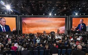 """Toàn cảnh buổi họp báo """"đặc biệt"""" của Tổng thống Putin"""