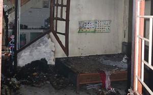 """Hà Nội: """"Bà hỏa"""" thiêu rụi nhiều đồ đạc trong ngôi nhà 4 tầng"""