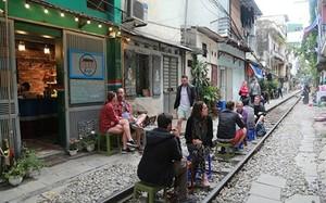Vừa mới gây sốt, quán cafe giữa đường tàu đã bị đóng cửa