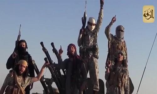 Phien quan IS tan cong du doi quan doi Syria o Deir ez-Zor
