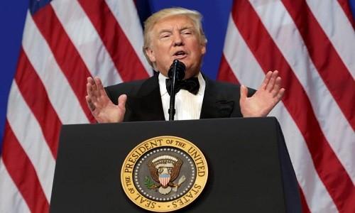 Tong thong Donald Trump se han che nguoi Hoi giao vao My?