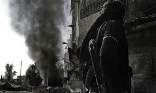 Chien su Syria: Khung bo ton that nang tren nhieu mat tran