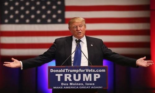 Tong thong Donald Trump ky sac lenh nhap cu moi