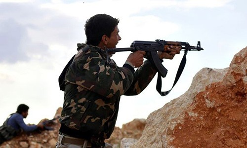 Phien quan IS ben bo vuc sup do o tinh Raqqa