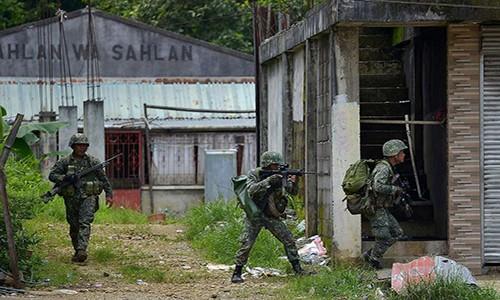 Phien quan Maute chuan bi ky truoc khi danh chiem Marawi