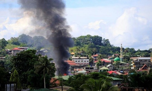 Giao chien voi khung bo o Marawi, nhieu linh Philippines thiet mang