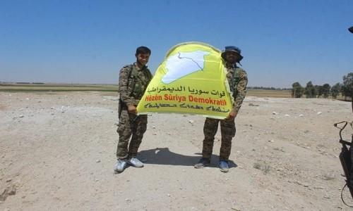 Nguoi Kurd chiem can cu chien luoc phia dong Raqqa
