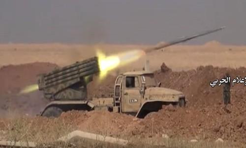 Video: Quan doi Syria tai chiem khu vuc o Bac Hama