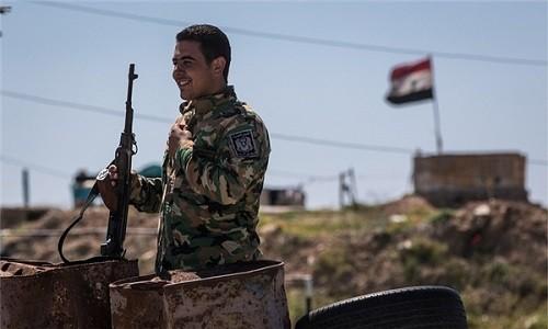 Quan doi Syria giai phong thi tran chien luoc o Deir Ezzor