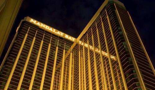 No sung kinh hoang o Las Vegas, 26 nguoi thuong vong