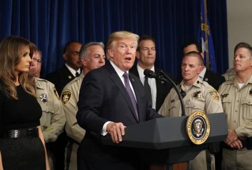 Tong thong Trump 'ne' van de kiem soat sung trong chuyen tham Las Vegas