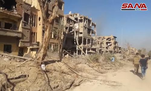 Video: Canh tan hoang trong khu vuc moi giai phong o Deir Ezzor