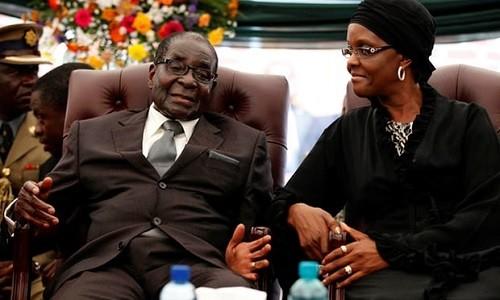 """Tiet lo """"soc"""" thoa thuan de Cuu Tong thong Zimbabwe Mugabe tu chuc"""