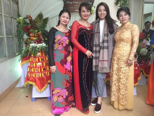 Hoa hau Ky Duyen lien tiep vuong scandal mac xau dien dao-Hinh-5