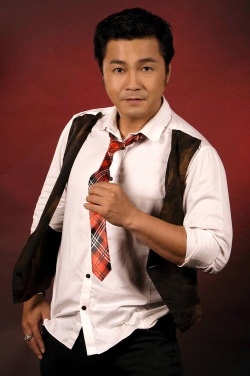 """Danh tinh nguoi phu nu """"chong e"""" cho Ly Hung o tuoi 47-Hinh-2"""