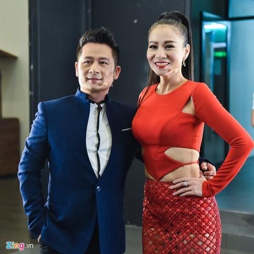 Khan gia dong loat ung ho xoa so Vietnam Idol vi nhat-Hinh-2