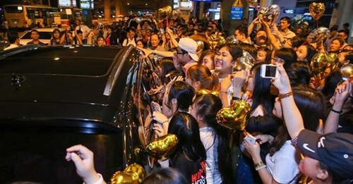 Fan Ho Ngoc Ha da xoay My Tam dung tien mua fan-Hinh-2