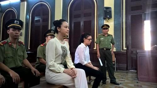 """HH Phuong Nga tung """"dinh"""" vu kien dat dai voi me de-Hinh-2"""