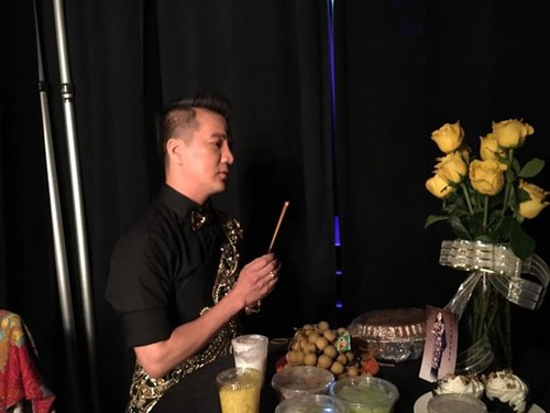 Dam Vinh Hung van am tham lam dieu nay hon 20 nam qua-Hinh-2