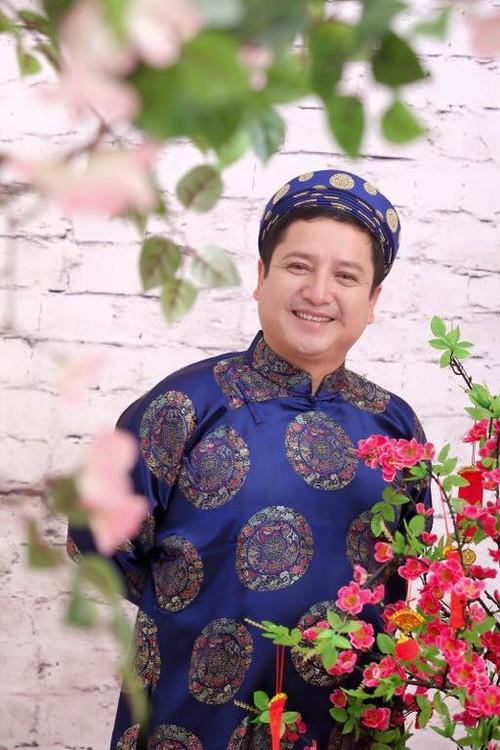 """Nghe si Chi Trung """"che"""" tho ty phu Hoang Kieu cuc """"chat"""""""