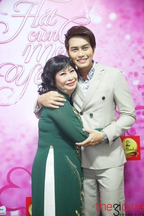 Dam nuoc mat nghe ke chuyen doi NSUT Kim Phuong-Hinh-3