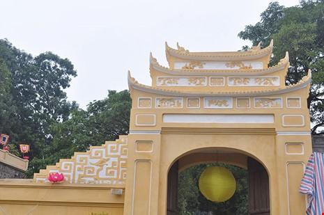 """Sau Van Mieu, Hoang Thanh Thang Long mac """"ao moi""""-Hinh-2"""