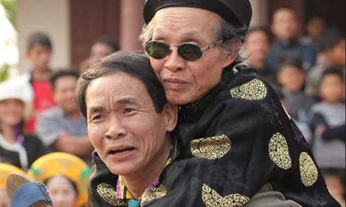 "Nghe si Van Toan ke chuyen ""ong mot noi, ba mot chon"""