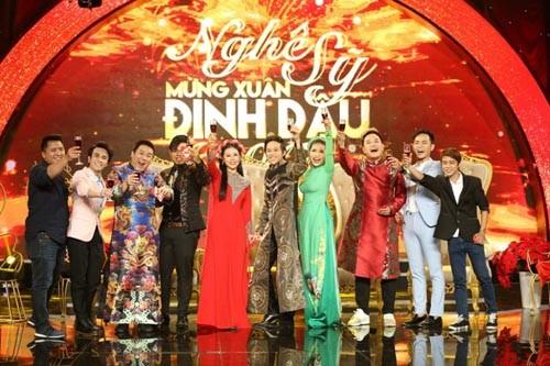Hoai Linh la 1 trong 3 Ngoc Hoang hot nhat nam 2017-Hinh-5