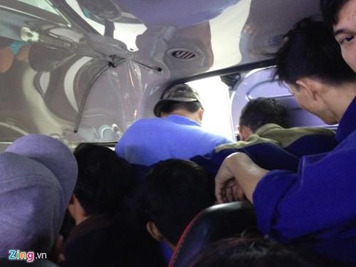Tren chuyen xe Tet bao tap 16 cho nhet hon 30 nguoi-Hinh-2