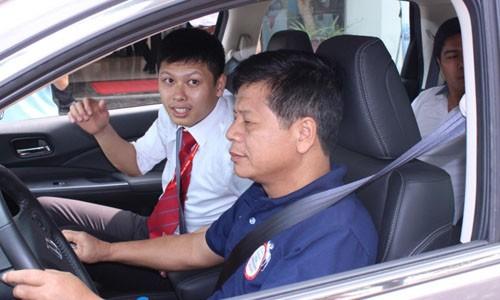 Kieng ki dau nam: Khong do xe chan ngang cua nha