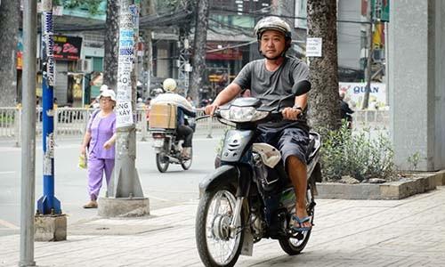 "Co ""Dat phuong Nam"" lam lo xe that bai, lai khan goi ve que"