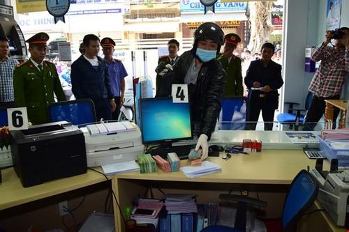 Dung lai hien truong vu cuop Ngan hang BIDV o Hue-Hinh-3