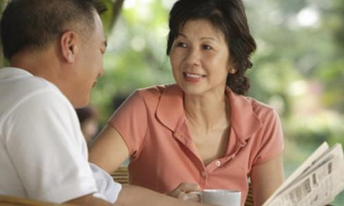"""""""Chuyen ay"""" the nao khi phu nu o tuoi trung nien?"""